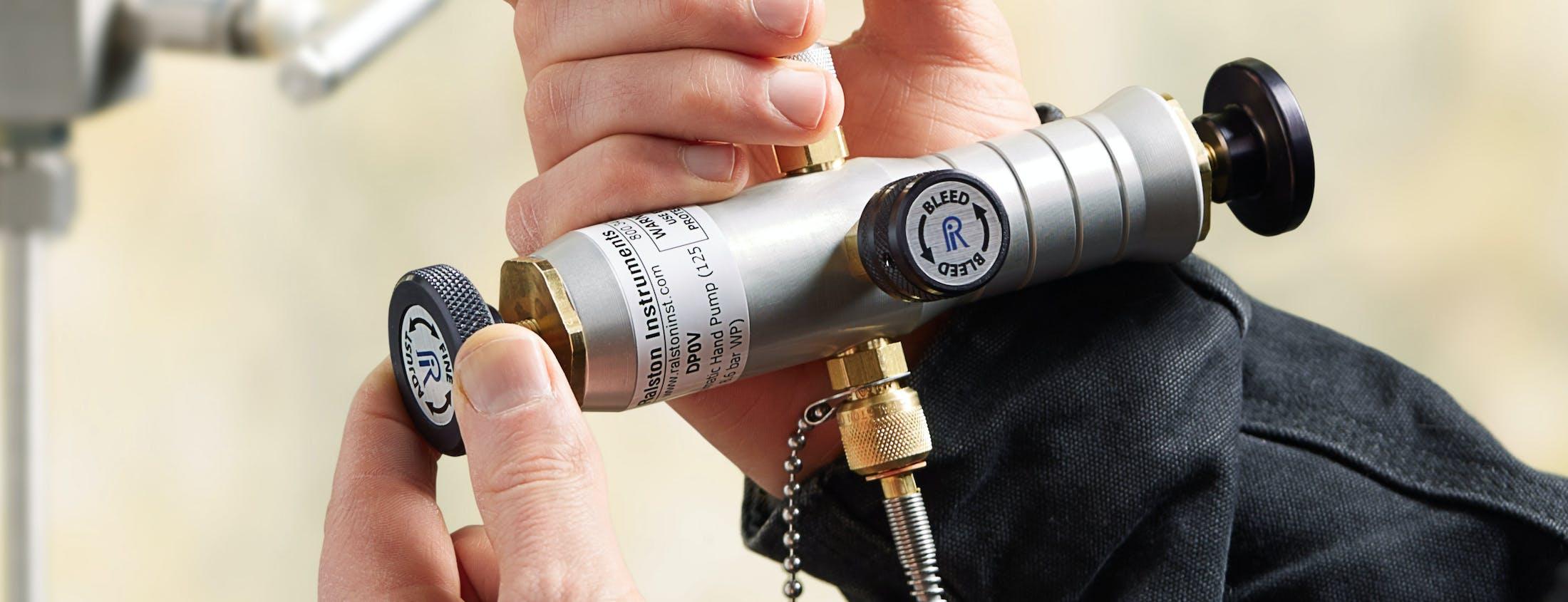 Dp0 V Flp1 W0 Xmitter Pneumatic Cylinder Hand Pumps